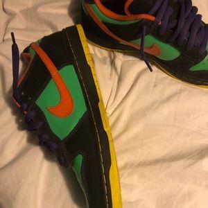 Shoes - Nike sb